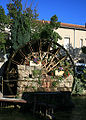 ISLE-sur-la-SORGUE roue-a-aube.jpg