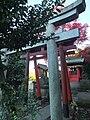 Inari Shrine (稲荷神社) - panoramio - phosphor.jpg
