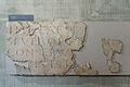 Inscription en pierre calcaire avec dédicace en l'honneur de Septime Sévère - Musée romain d'Avenches.jpg
