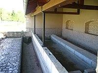 Intérieur du lavoir de chassey.JPG