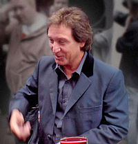 Kenney Jones (cropped modded).jpg