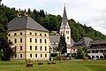 Keutschach Gemeindeamt und Pfarrkirche 05072007 06.jpg