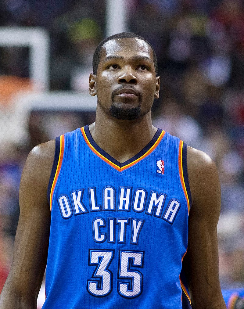 """31a19bd26c5 Kevin Durant s controversial foot implant has not been approved by the FDA.  Image source  Wikimedia CC """"Kevin Durant Feb 2014"""" by Keith Allison."""
