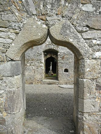 Ogee - An unorthodox ogee arch in Kilfane Church, Ireland (13th century)