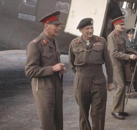 King George VI with Sir Bernard Montgomery.jpg