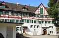 Kloster Magdenau Hauptgebäude mit Pforte.JPG
