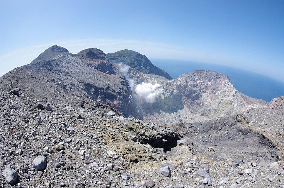 Kuchino-erabu island (volcano)