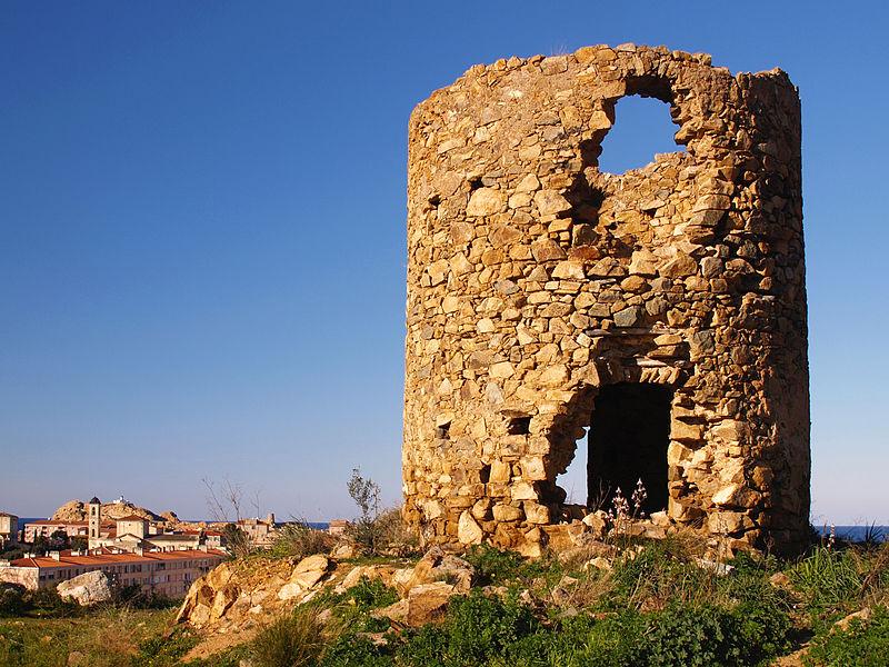 File:L'Île-Rousse-moulin ruiné.jpg