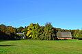 Langes Tannen Park mit Herrenhaus und Museumsscheune 01.jpg