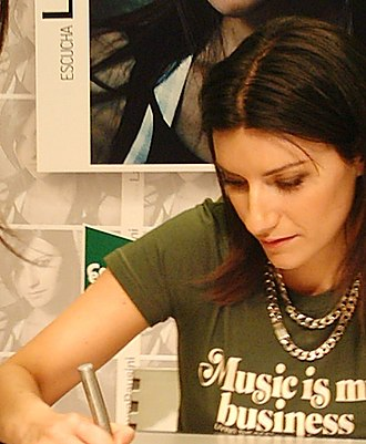 Laura Pausini - Laura Pausini during the presentation of her album ''Resta in ascolto'' / ''Escucha'' in 2004.