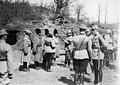 Le roi de Roumanie décore des soldats en première ligne - Médiathèque de l'architecture et du patrimoine - AP62T099070.jpg