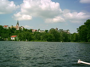 Leisnig seen from the river Mulde, Mildenstein Castle to the right