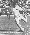 Lolo Fernández con camiseta de la U en 1953.jpg