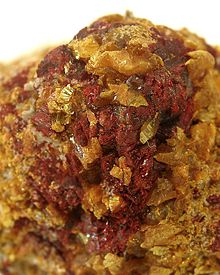 Lorandite-Orpiment-sea81b.jpg