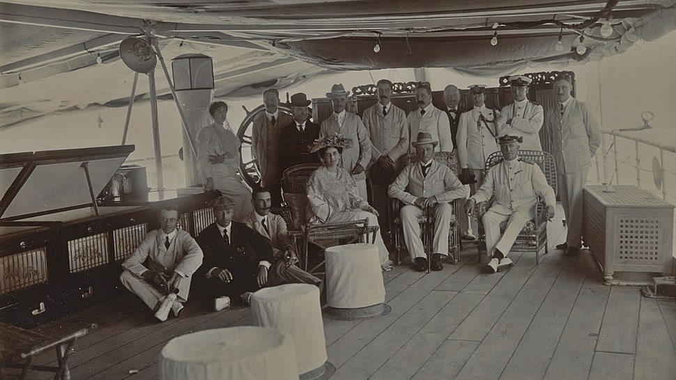 Lord and Lady Curzon and staff on tour of Persian Gulf 1903