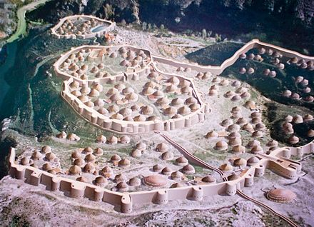 Painting of a Copper Age walled settlement, Los Millares, Iberia Los Millares recreacion cuadro.jpg