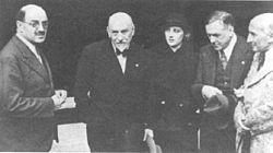 Luigi Pirandello, Silvio d'Amico, Andreina Pagnani, Renato Simonie Jacques Copeau 1933.jpg