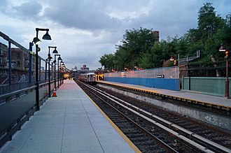 Dyckman Street (IRT Broadway–Seventh Avenue Line) - Image: MTA NYC Subway Dyckman St. (1) train station view