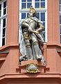 Mainz Zum Römischen Kaiser Statue außen.jpg