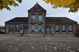 The town hall in Mesnil-Sellières