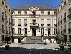 Mairie de Bagnères de Luchon-20190715.jpg