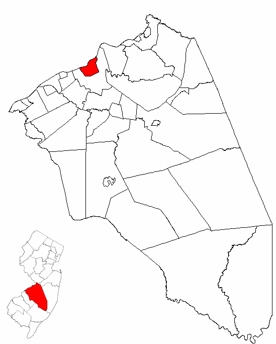 The City of Burlington highlighted in Burlington County. Inset map: Burlington County highlighted in the State of New Jersey.