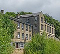 Mean Lane, Meltham (14515075547).jpg