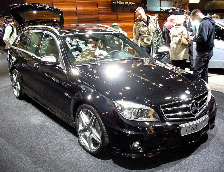 File:Mercedes-Benz S204 C63 AMG T-Modell.JPG