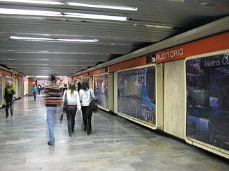 Metro Auditorio - Image: Metro Auditorio Underpass