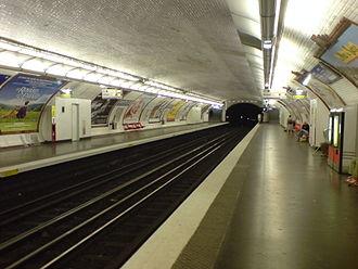 Charenton – Écoles (Paris Métro) - Image: Metro estación Charenton Écoles