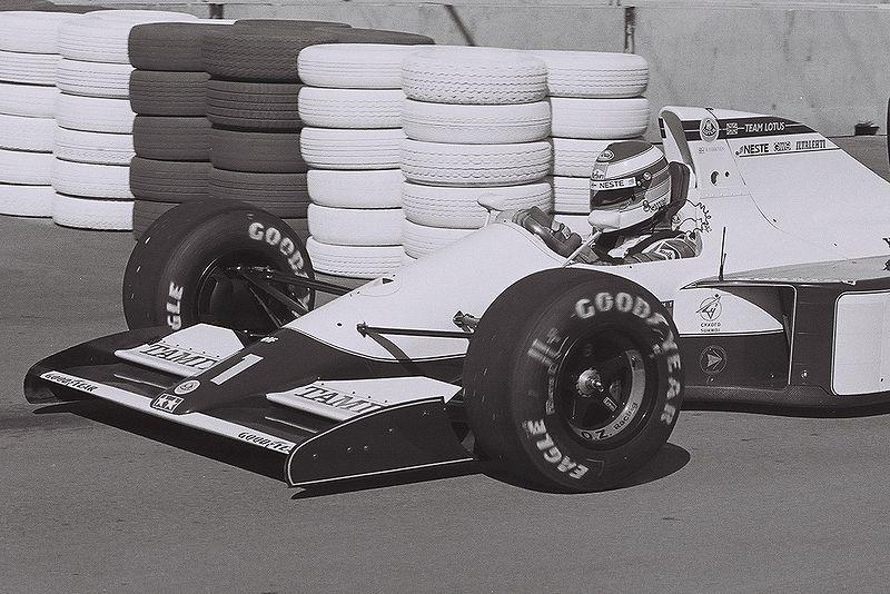 File:Mika Hakkinen 1991 USA.jpg