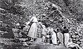 Mikiel Farrugia, Gozitan women washing clothes in the Pergla area (Ghajn Barrani), Xagħra.jpg