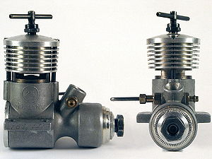 Model engine - Image: Miniature two stroke diesel engine 1960