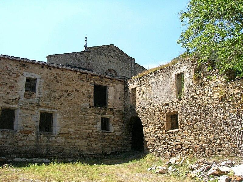 Monasterio de San Pedro de Montes de Valdueza (854062536).jpg