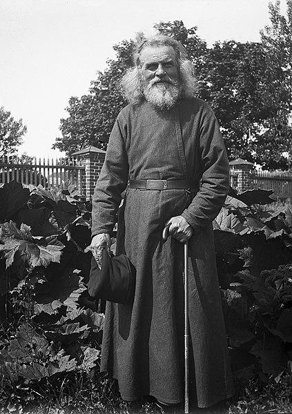 File:Monk, Valamo Monastery, Karelia, Russia (5621875062) (2).jpg