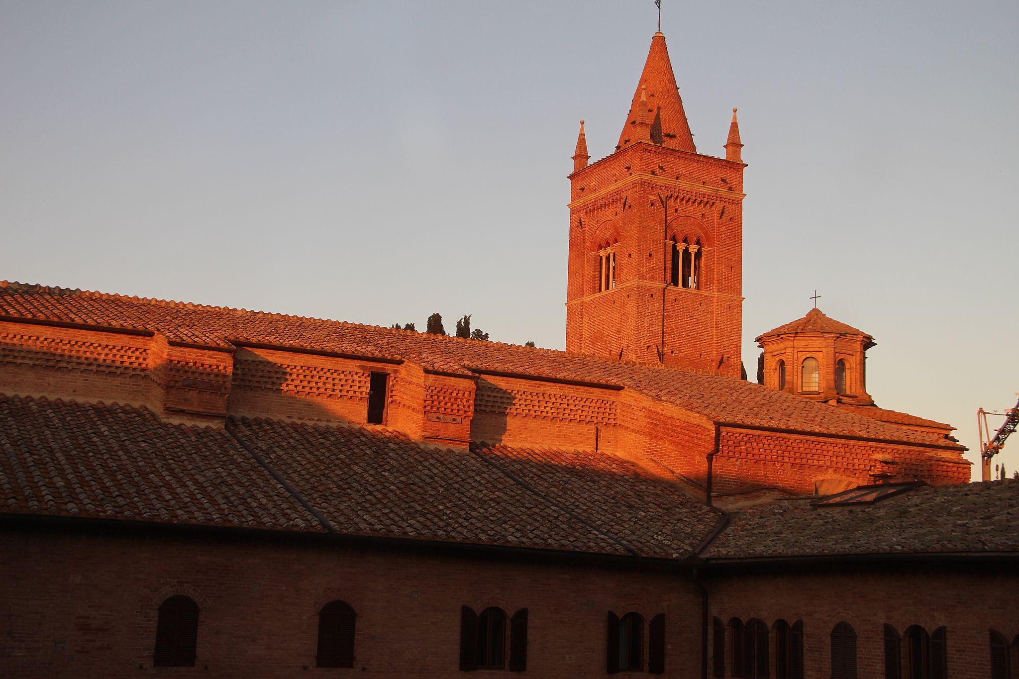 Monte oliveto maggiore, chiesa, ext. 05