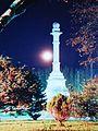 Monumento a Cristóbal Colón en plaza Independencia de la ciudad de Durazno en una noche otoñal03.JPG