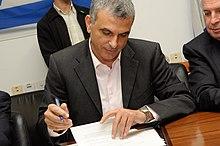 """בארה""""ב בבית הלבן החליטו ראש הממשלה הבא של ישראל יהיה כחלון  220px-Moshe_kahlon"""