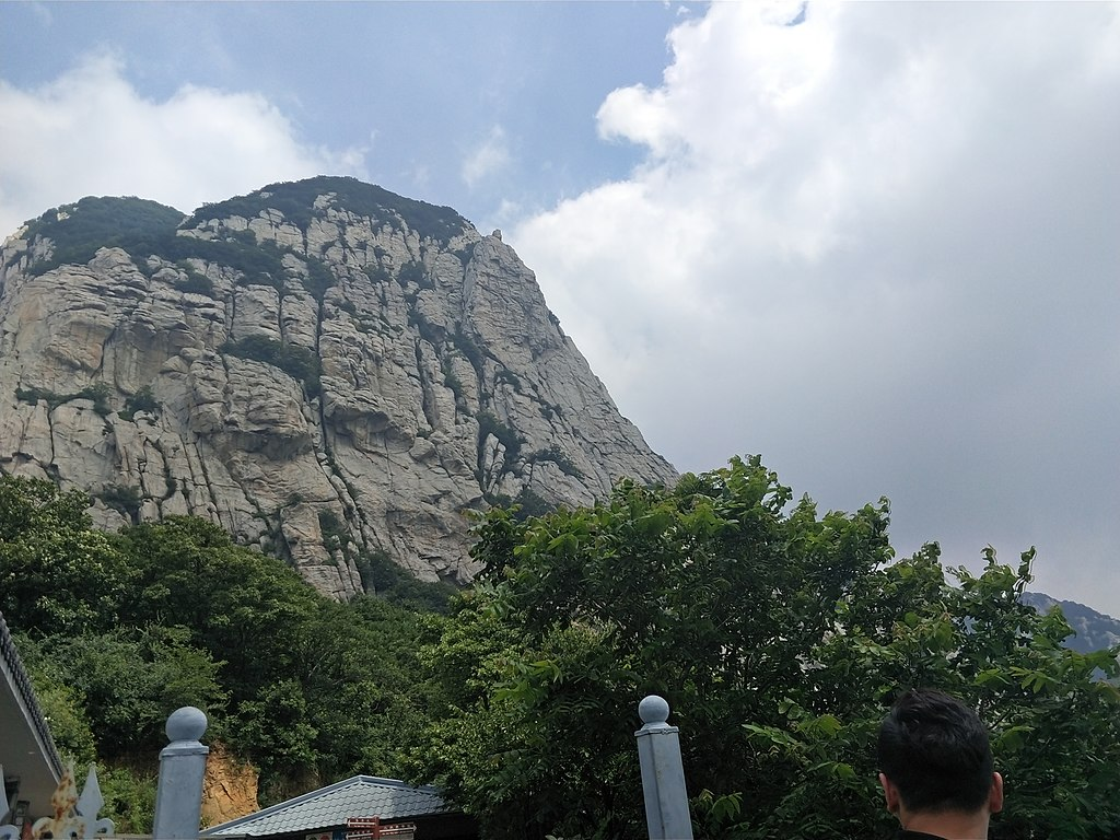 File:Mount Song, 24 June 2018, Picture4.jpg - Wikimedia ...