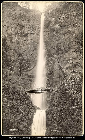 Multnomah Falls - Image: Multnomah Falls, Columbia River, Oregon, O.P.N.R.R. C.R. Savage, Photo