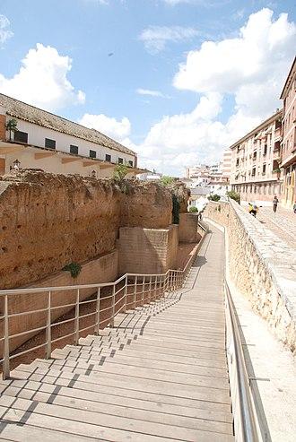 San Basilio, Córdoba - Image: Muralla del Alcázar Viejo (Córdoba, España)