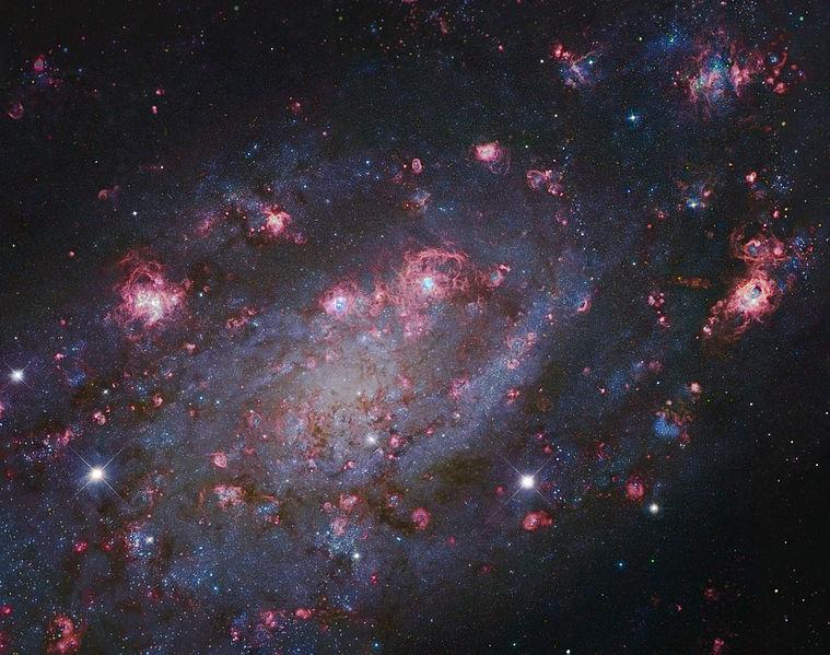 759px-NGC2403-Subaru-HST-L.jpg