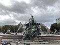 Neptunbrunnen 033.jpg