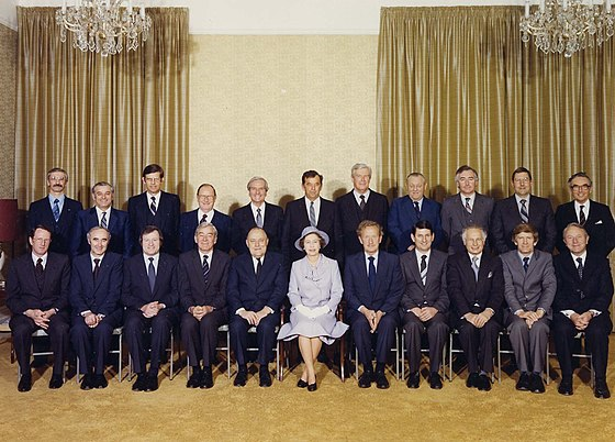 Cabinet photograph during Queen Elizabeth II's tour of New Zealand in October 1981; Muldoon is seated on the Queen's right New Zealand Cabinet, 1981.jpg