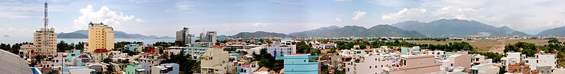 Tập tin:Nha Trang Rooftop Panorama.jpg
