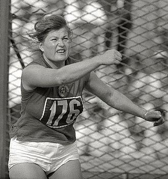 Nina Ponomaryova - Nina Ponomaryova at the 1960 Olympics