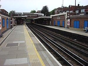 Northwood tube station - Image: Northwood northbound platform 1