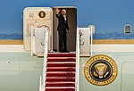 Obama departs JBA, stops to pose for group photo 150504-F-WU507-133.jpg