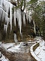Old Man's Cave Trail (11863932354).jpg
