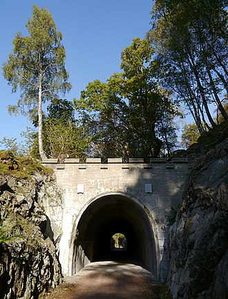 Invergarry and Fort Augustus Railway - Image: Old railway tunnel, by Loch Oich (geograph 4705982)